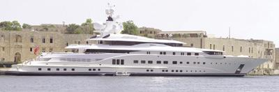 Abramovich Yacht Cancels Visit