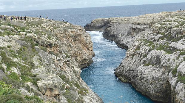 Sauntering at Wied il-Mielaħ.