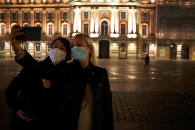 Europe surges past 250,000 virus deaths as Israel lifts lockdown