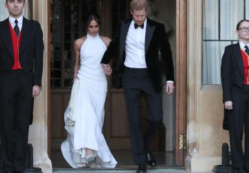 Air traffic controllers give Harry and Meghan the gift of silence