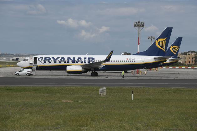 Ryanair reports loss of €185million