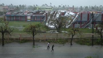 More than 1,000 feared dead in Mozambique storm | Warnings about the storm had been issued weeks before.