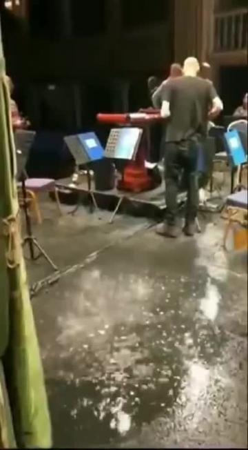 Watch: Water drips onto Teatru Manoel stage  | Video: Facebook