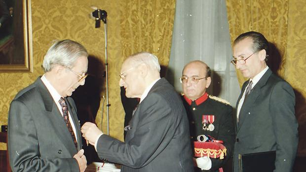 Maurice Caruana Curran was made Member of the Order of Merit in December 1993 in recognition of his services to the nation by then President Ċensu Tabone. Photo: Department of Information