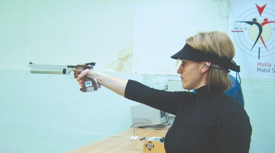 Eleanor Bezzina maintained her fine form when hitting 552 points during an air-pistol competition on Saturday.
