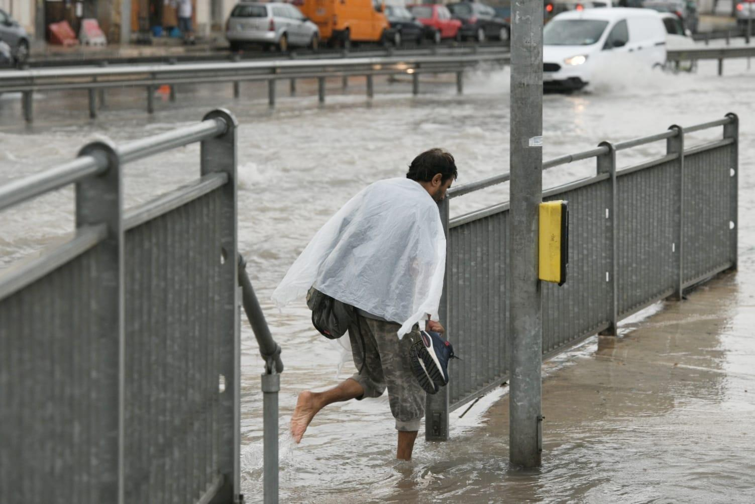 Scenes of despair as people caught off guard rush to shelter. Photo: Matthew Mirabelli