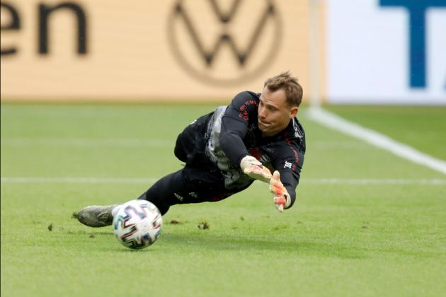Watch: Neuer filmed singing song by controversial Croatian nationalist
