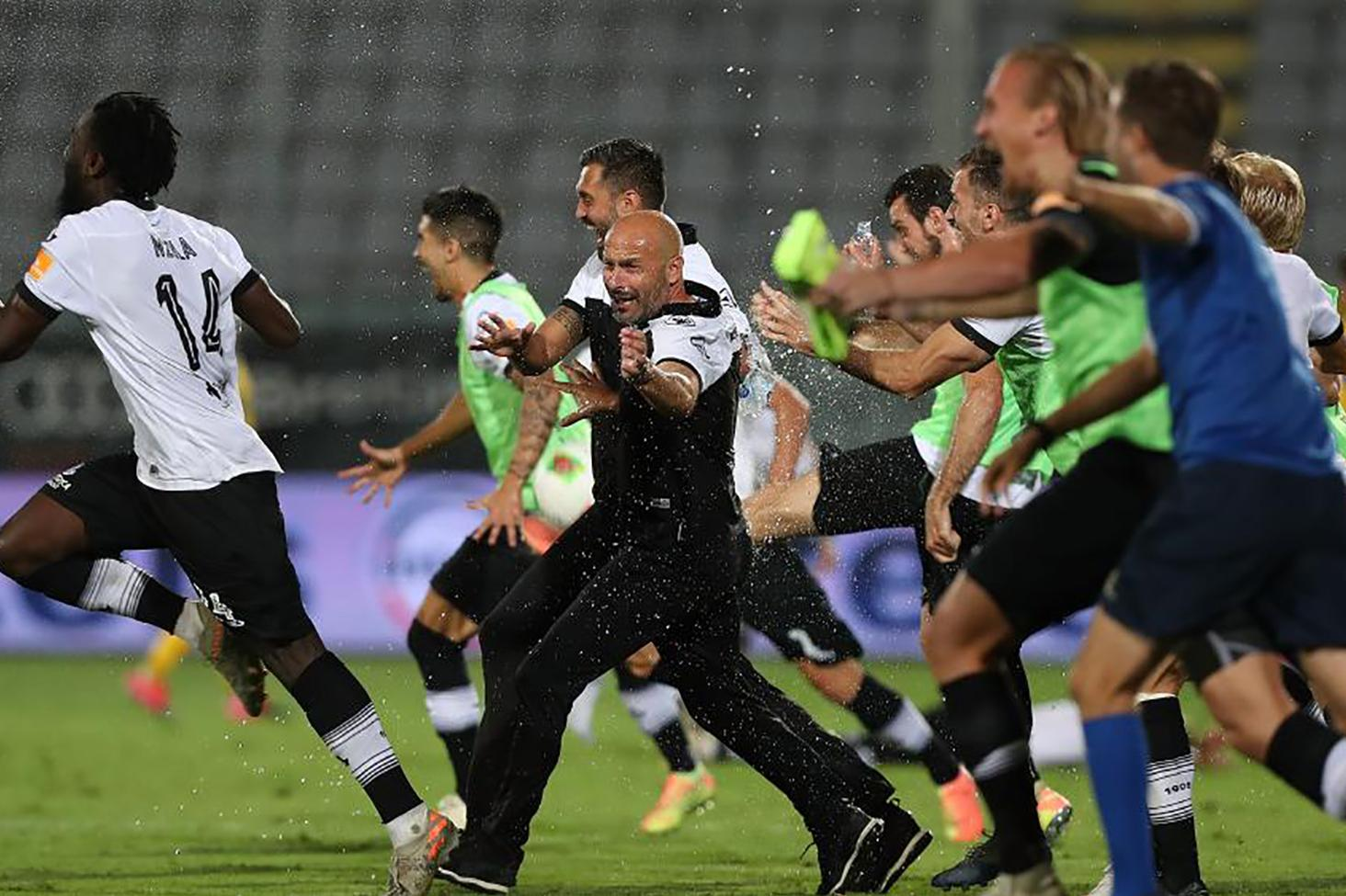 Watch: Spezia soar into Serie A for first time in 114-year history