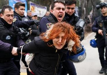 Turkish police fire tear gas, detain 12 in university protests