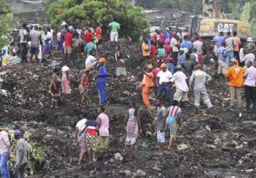 17 killed as rubbish mound collapses in Mozambique