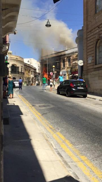 Fire destroys Sliema pharmacy, causes chaos in area | Video: Craig Macdonald