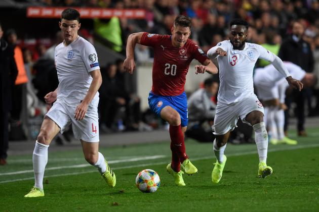 Watch: England lose first qualifier in 10 years to Czech Republic