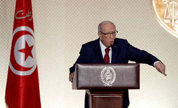 Tunisian president orders army to protect oil and gas fields