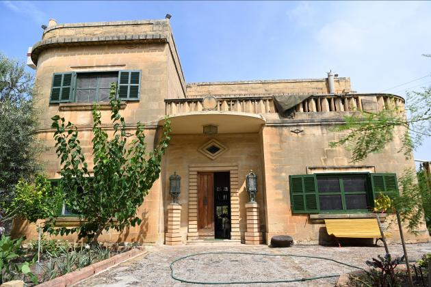 Attempt to downgrade protected status for Dom Mintoff's villa