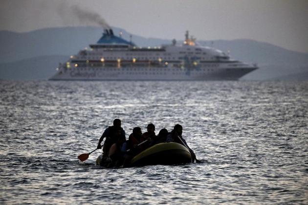 10 held for 'facilitating' illegal immigration into Greece