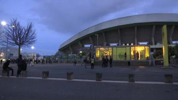 Watch: Nantes pay tribute to Sala in first game since disappearance | Nantes fans pay tribute to Sala in front of their stadium.