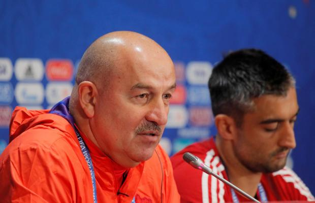 Russia coach Stanislav Cherchesov and Aleksandr Samedov during the press conference.