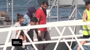 Aquarius migrants, and a dog, brought to Malta for transfer to other countries | Video - Mark Zammit Cordina
