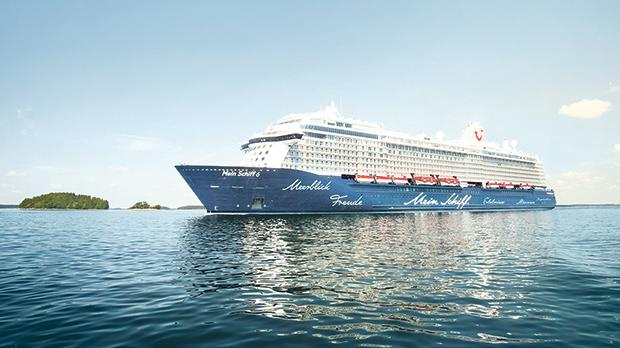 The Mein Schiff 6, the youngest member of the TUI Cruises fleet, combines all the well-known benefits of its sister ships. Top: various areas on the Mein Schiff 6.