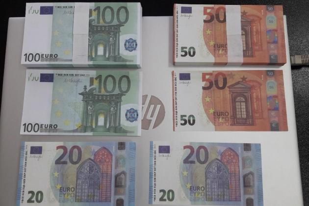 Customs seize €17,000 in counterfeit notes from China