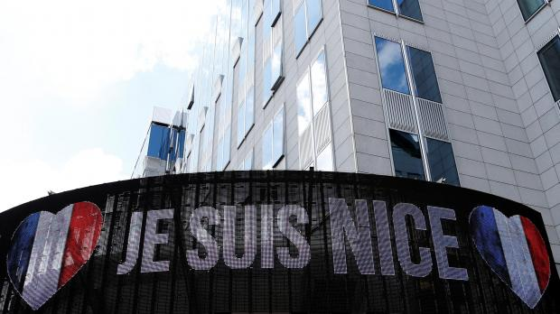An electronic board outside the European Parliament offers solidarity with victims and Nice residents. Photo: Reuters