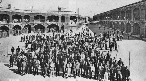 Prisoners assembled in courtyard at Verdala POW camp. Photo: Kofler