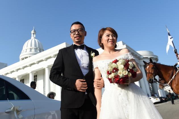 No kissing the bride as Sri Lanka lifts weddings ban