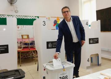 Adrian Delia casting his vote on Saturday.