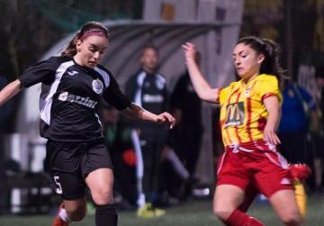 Women's title on the line as Stripes face Hibs