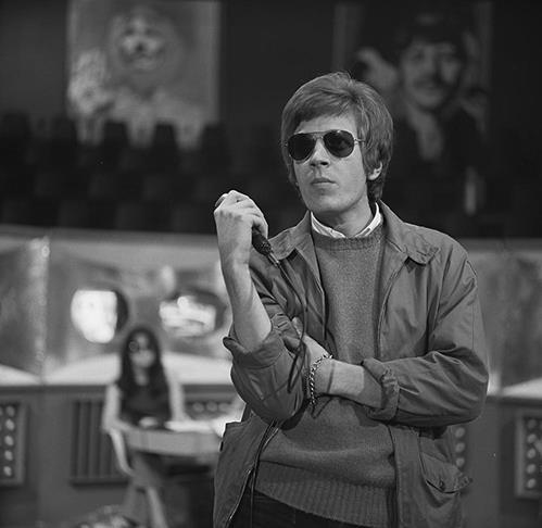 Scott Walker on Dutch TV in 1968. Photo: Wikipedia