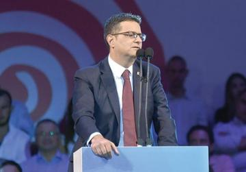 PN's Delia debate: a leader's denial, followed by 'a show of hands'