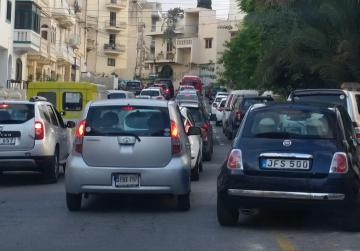 Watch: Tailbacks in areas, smooth traffic in others as children return to school