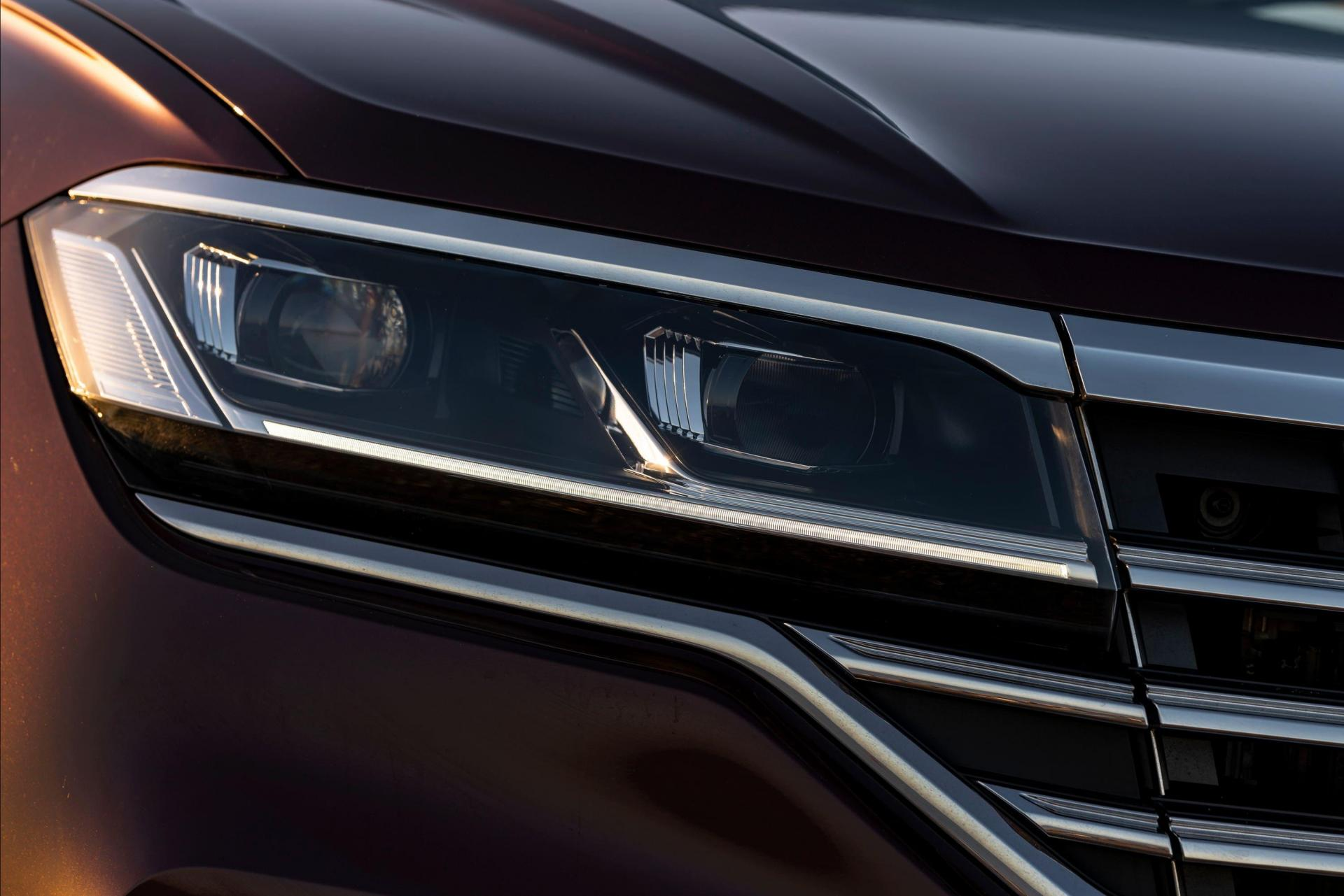 Chrome elements give the Touareg a distinctly premium appeal.