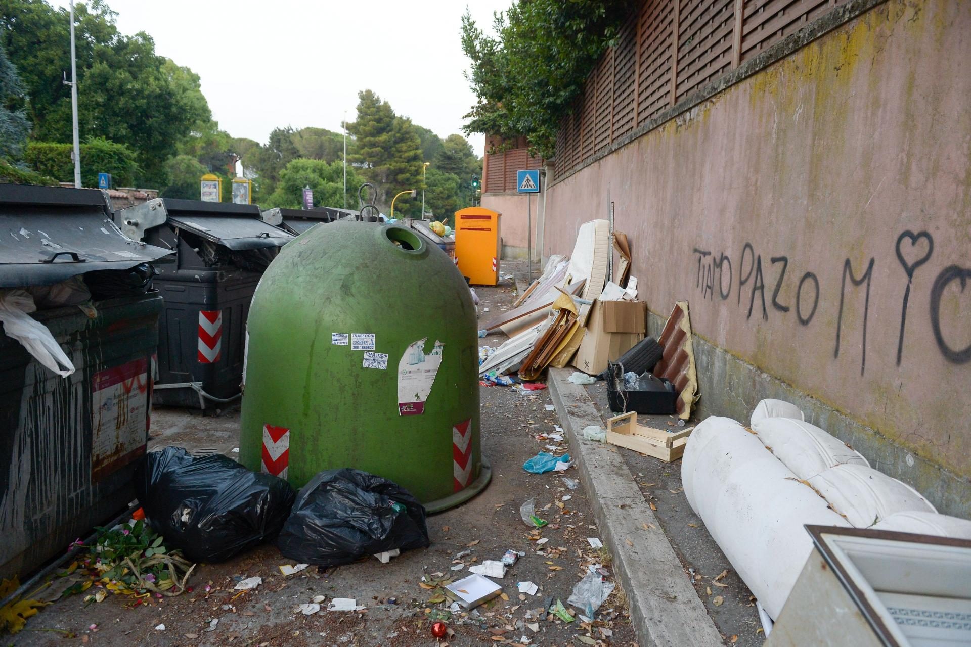 Rubbish in Rome is driving locals up the wall. Photo: AFP