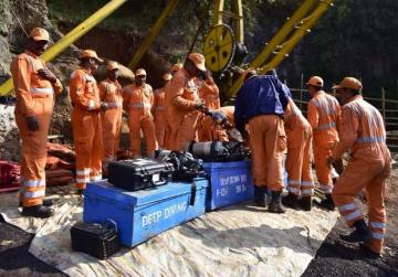 First body pulled from India mine after six weeks: official