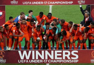 Netherlands beat Italy on penalties to win U-17 title