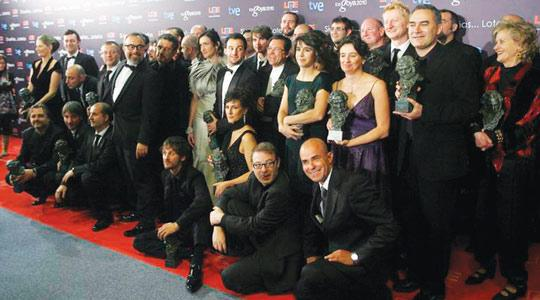Goya winners, including Agora director Alejandro Amenábar (standing, centre), with line producer José Luis Escolar to his left and production designer Guy Dias (third from right).