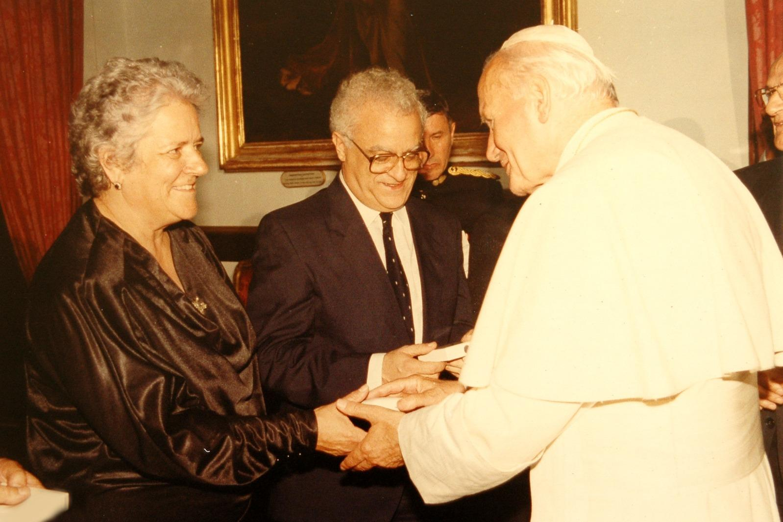 Pope John Paul II meets Eddie and Mary Fenech Adami in 1990.