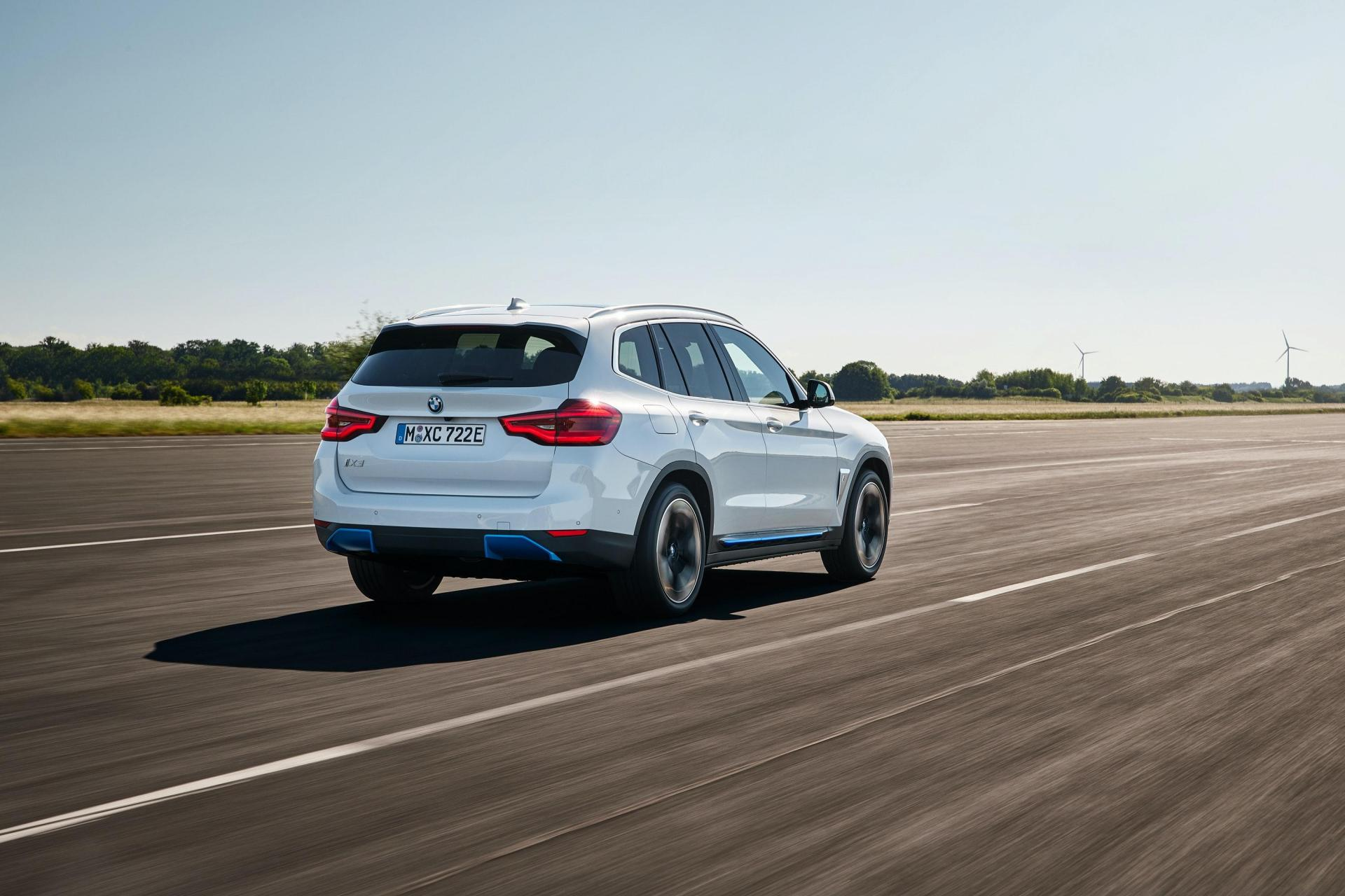 The iX3 mirrors many styling traits found on the regular X3.