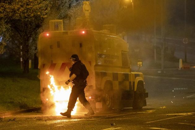 UK, Ireland leaders urge 'calm' after Northern Ireland violence