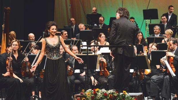 World-renowned Sicilian soprano Lucia Aliberti acknowledging the applause at the end of the concert.