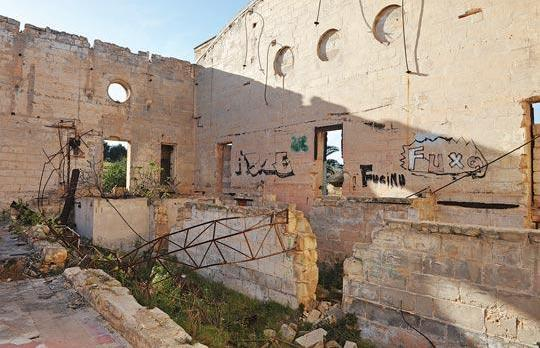 Australia Hall in Pembroke is in a dilapidated state. Photo: Chris Sant Fournier.