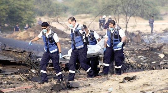 Cargo plane crashes in UAE, six dead