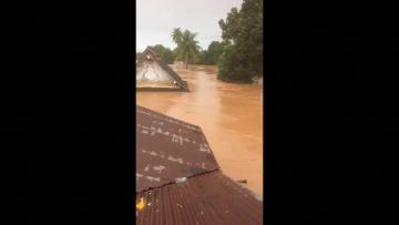 Hundreds missing after Laos dam collapse - media | Video: AFP