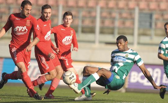 Daniel Nwoke (right) has scored four goals in his first two games for Floriana. Photo: Matthew Mirabelli