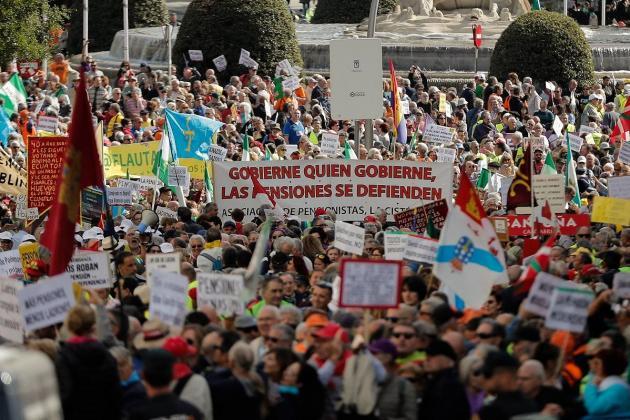 General strike grips Catalonia, 'freedom marchers' hit Barcelona