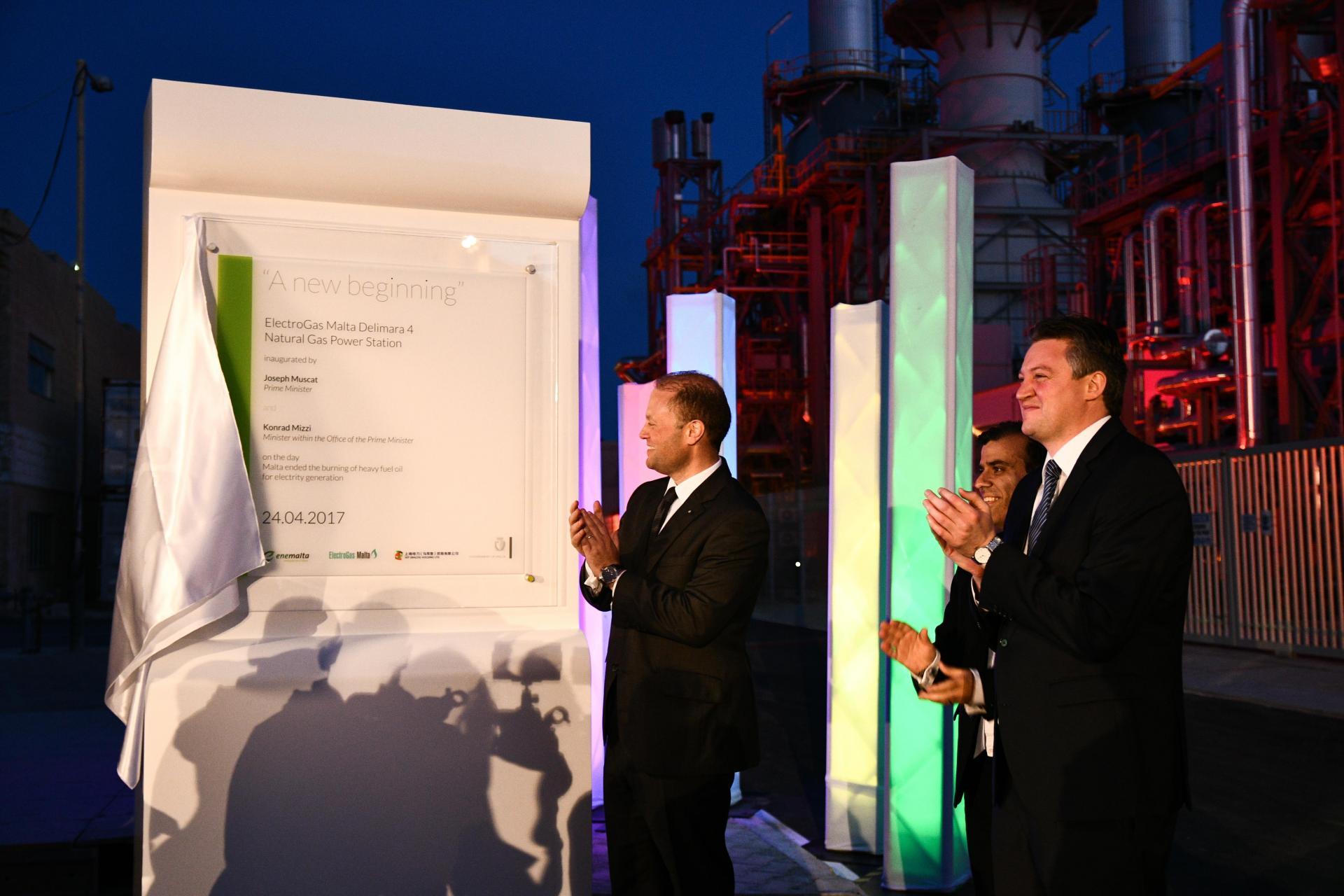 From left: Former prime minister Joseph Muscat, former Enemalta chairman Fredrick Azzopardi and former Energy Minister Konrad Mizzi inaugurate the Delimara power station. Photo: DOI/Jason Borg