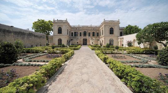 The jewel in lija for Villas francesas