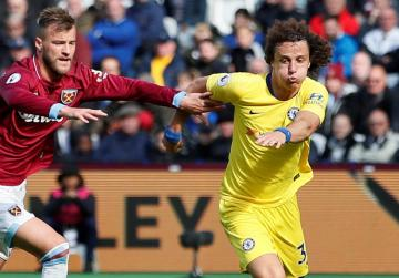 Chelsea drop first points at West Ham