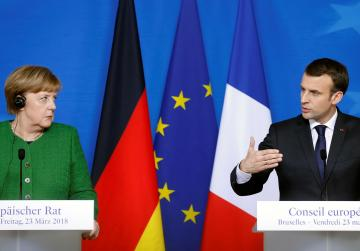 Merkel, Macron meet to plot eurozone reform road map
